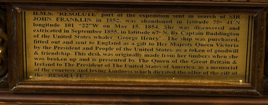 Resolute Desk Plaque