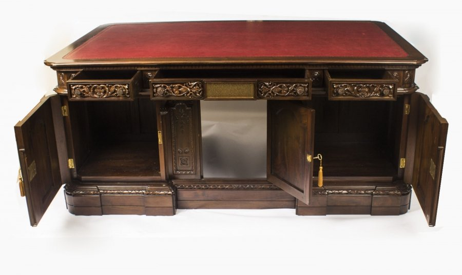Resolute Desk Storage